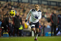 LONDON, ENGLAND - Sunday, November 28, 2010: Tottenham Hotspur's Aaron Lennon in action against Liverpool during the Premiership match at White Hart Lane. (Pic by: David Rawcliffe/Propaganda)