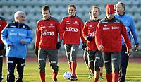 Fotball<br /> Trening Norge A foran kampen mot Wales<br /> 08.11.2011<br /> Foto: Morten Olsen, Digitalsport<br /> <br /> L-R players: Espen Ruud - Thomas Sørum - Morten Gamst Pedersen