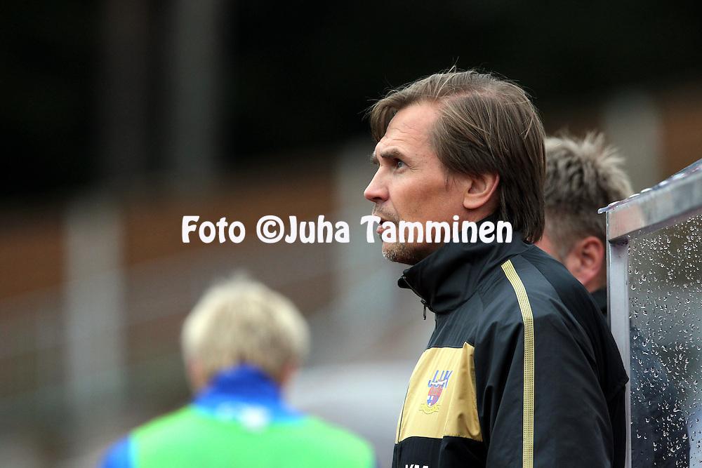 16.5.2011, Harjun stadion, Jyv?skyl?..Veikkausliiga 2011, JJK Jyv?skyl? - FC Haka Valkeakoski..Valmentaja Kari Martonen - JJK.