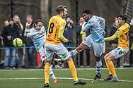 FODBOLD: Frederik Bay (FC Helsingør) og Douglas Ferreira skyder på mål under træningskampen mellem FC Helsingør og Falkenbergs FF den 20. januar 2018 på Snekkersten Idrætscenter. Foto: Claus Birch