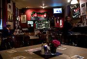 """THE HARTLEY GASTROPUB.64, Tower Bridge Street,.Bermondsey, SE1 4TR.Tube : London Bridge (Jubily line).Tel: 0044(0)2070644337.Facebook: """"hartley bar"""".EVENTI: Nuova gestione da giugno. un pub da tenere in cosiderazione se si vuole vivere londra come un londinese. uno degli eventi da raccomandare e' la POKER NIGHT(mercolrdi £5) dove la gente del posto va a giocare a poker. Altri eventi: LIVE MUSIC, COMEDY NIGHT, JAZZ"""