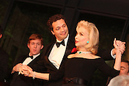 HGO. Singing with the Houston Idols 11.8.11