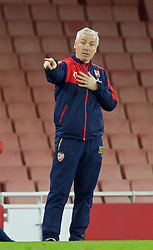 LONDON, ENGLAND - Friday, March 4, 2016: Arsenal's Under-21 head coach Steve Gatting during the FA Youth Cup 6th Round match against Liverpool at the Emirates Stadium. (Pic by Paul Marriott/Propaganda)