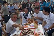 Logron?o (Spain) 21/09/2007 - 51° Fiesta de la Vendimia Riojana 2007 - XXIX Festival de la Chuleta al sarmiento (Peña la Alegrìa) - Plaza del Mercado