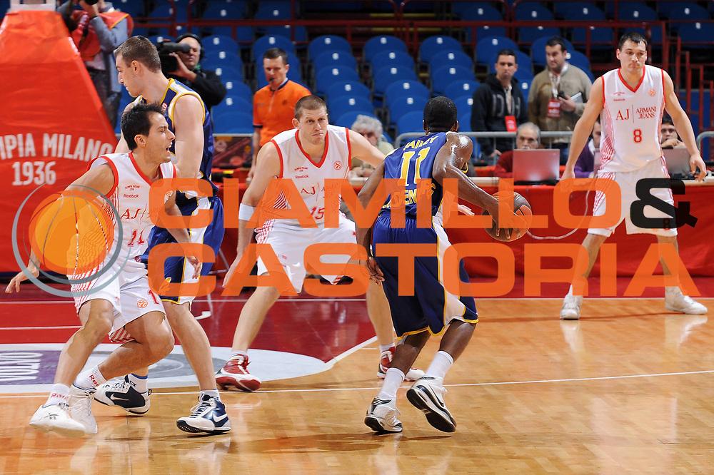 DESCRIZIONE : Milano Eurolega 2009-10 Armani Jeans Milano EWE Baskets Oldenburg<br /> GIOCATORE : Bryan Bailey<br /> SQUADRA : EWE Baskets Oldenburg<br /> EVENTO : Eurolega 2009-2010<br /> GARA : Armani Jeans Milano EWE Baskets Oldenburg<br /> DATA : 09/12/2009<br /> CATEGORIA : palleggio<br /> SPORT : Pallacanestro<br /> AUTORE : Agenzia Ciamillo-Castoria/A.Dealberto<br /> Galleria : Eurolega 2009-2010<br /> Fotonotizia : Milano Eurolega 2009-10 Armani Jeans Milano EWE Baskets Oldenburg<br /> Predefinita :