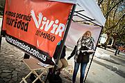 Uruguay / Montevideo / 2018<br /> Campa&ntilde;a de recolecci&oacute;n de firmas Vivir sin miedo, firmamos por m&aacute;s seguridad, impulsada por el senador del Partido Nacional Jorge Larra&ntilde;aga. Puesto en Av. 18 de julio, Montevideo, 13/06/2018.<br /> Foto: Ricardo Ant&uacute;nez / adhocFOTOS