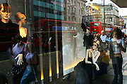 England, London: shopwindow in Oxford street
