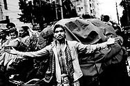 Dhaka der er hovedstaden i Bangladesh har store fattigdoms og overbefolkningsproblemer, da byen vokser med et kolosalt tempo pga. urbaniseringen som er følger efter klimaforandringer og naturkatastrofer som er med til at gøre livet sværre i storbyen, da mange flytter fra landdistrikterne. Der er mange tiggere og hjemløse i Dhaka.