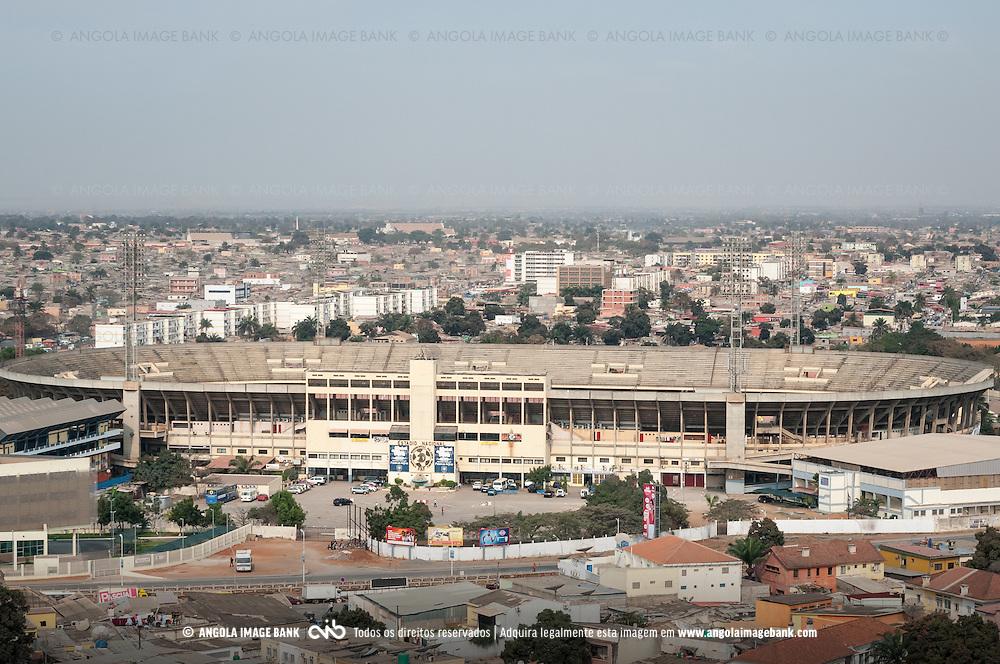 Vista aérea da cidade Luanda, capital de Angola. Cidadela desportiva