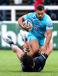 Ollie Lawrence of Worcester Warriors takes on Johnny Williams of Newcastle Falcons - Mandatory by-line: Robbie Stephenson/JMP - 03/03/2019 - RUGBY - Kingston Park - Newcastle upon Tyne, England - Newcastle Falcons v Worcester Warriors - Gallagher Premiership Rugby
