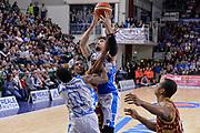 DESCRIZIONE : Campionato 2015/16 Serie A Beko Dinamo Banco di Sardegna Sassari - Umana Reyer Venezia<br /> GIOCATORE : Joe Alexander Mike Green<br /> CATEGORIA : Rimbalzo<br /> SQUADRA : Dinamo Banco di Sardegna Sassari<br /> EVENTO : LegaBasket Serie A Beko 2015/2016<br /> GARA : Dinamo Banco di Sardegna Sassari - Umana Reyer Venezia<br /> DATA : 01/11/2015<br /> SPORT : Pallacanestro <br /> AUTORE : Agenzia Ciamillo-Castoria/L.Canu