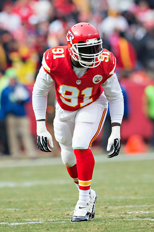 KANSAS CITY, MO - NOVEMBER 16:  Tamba Hali #91 of the Kansas City Chiefs waits at the line of scrimmage during a game against the Seattle Seahawks at Arrowhead Stadium on November 16, 2014 in Kansas City, Missouri.  The Chiefs defeated the Seahawks 24-20.  (Photo by Wesley Hitt/Getty Images) *** Local Caption *** Tamba Hali