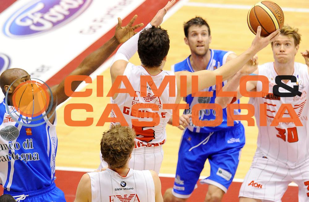 DESCRIZIONE : Milano Coppa Italia Final Eight 2014 Quarti di Finale EA7 Emporio Armani Milano Banco di Sardegna Sassari<br /> GIOCATORE : Alessandro Gentile C.J. Wallace<br /> CATEGORIA : Espressione Composizione<br /> SQUADRA : EA7 Emporio Armani Milano<br /> EVENTO : Beko Coppa Italia Final Eight 2014<br /> GARA : EA7 Emporio Armani Milano Banco di Sardegna Sassari<br /> DATA : 08/02/2014<br /> SPORT : Pallacanestro<br /> AUTORE : Agenzia Ciamillo-Castoria/A.Giberti<br /> GALLERIA : Lega Basket Final Eight Coppa Italia 2014<br /> FOTONOTIZIA : Milano Coppa Italia Final Eight 2014 Quarti di Finale EA7 Emporio Armani Milano Banco di Sardegna Sassari<br /> Predefinita :