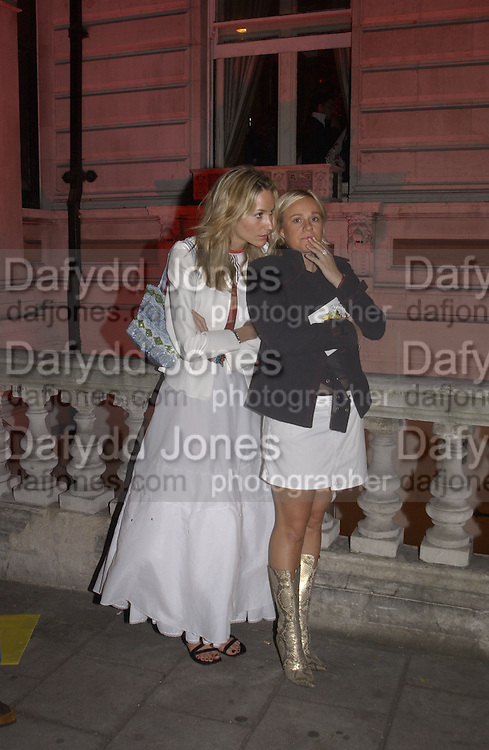 Lisa Butcher and Pip Gill. Julian Macdonald  fashion show, Le Meridien Grosvenor House. After party, Il Bottaccio, Grosvenor Place. London. 14 September 2002. © Copyright Photograph by Dafydd Jones 66 Stockwell Park Rd. London SW9 0DA Tel 020 7733 0108 www.dafjones.com