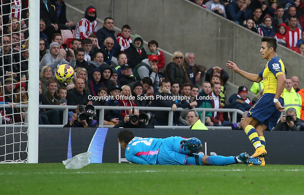 25 October 2014 Premier League Football Sunderland v Arsenal ; Alexis Sanchez scores the second Arsenal goal.<br /> Photo: Mark Leech