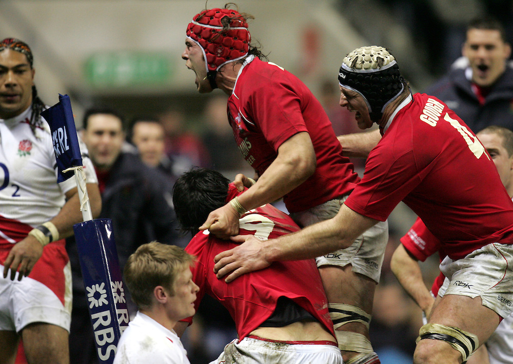 Wales celebrate scoring their first try. England v Wales, RBS Six Nations 2008, Twickenham, England, 2nd Feb 2008.