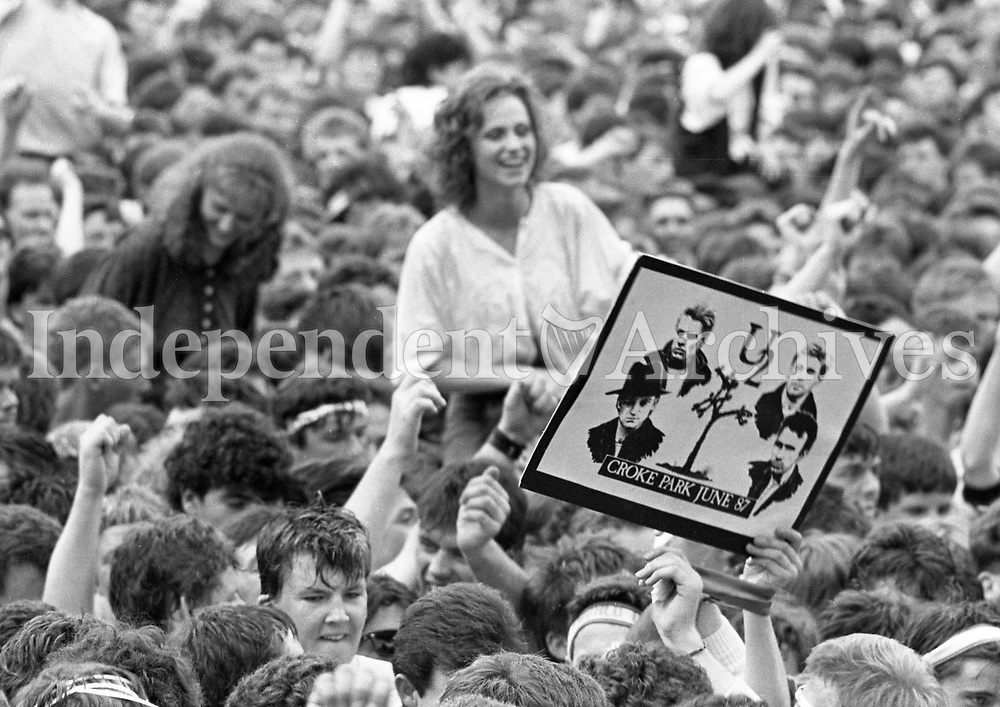 The Joshua Tree 2nd leg: Europe. Fans at Páirc Uí Chaoimh - Cork, Ireland. 8/8/1987. (Part of the Independent Ireland Newspapers/NLI Colection)