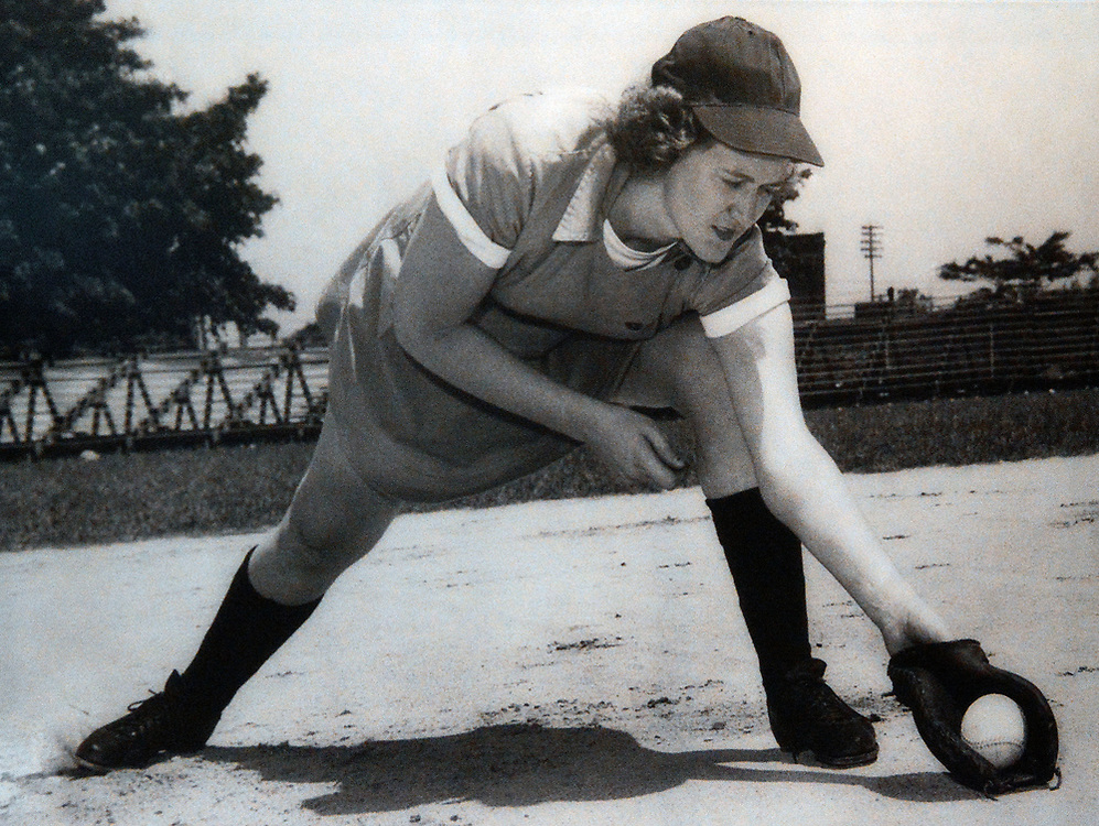 "jt051917k/ sports/jim thompson/ Vivian Kellogg who played first base for the Fort Wayne Daisies in 1945 for the All-American Girls Baseball League that was made famous in the 1992 movie ""A League of their Own"".   Friday May. 19, 2017. (Jim Thompson/Albuquerque Journal)"