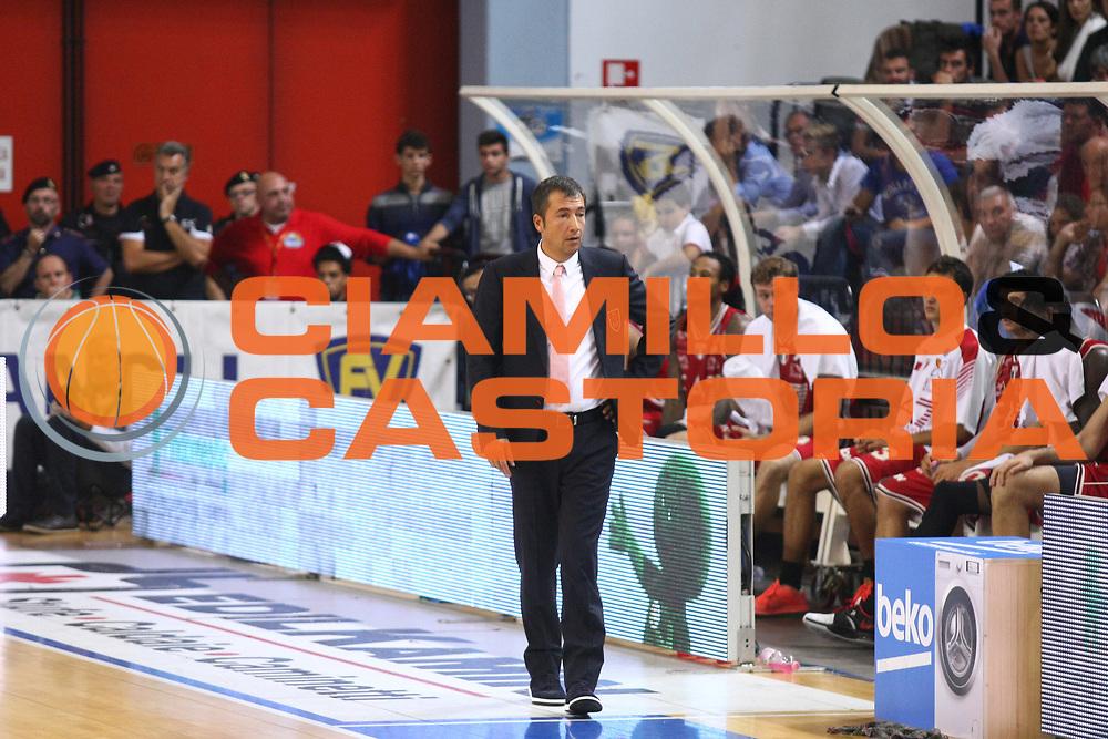 DESCRIZIONE : Cremona Lega A 2014-2015 Vanoli Cremona EA7 Emporio Armani Milano<br /> GIOCATORE : Luca Banchi Coach<br /> SQUADRA : EA7 Emporio Armani Milano<br /> EVENTO : Campionato Lega A 2014-2015<br /> GARA : Vanoli Cremona EA7 Emporio Armani Milano<br /> DATA : 11/10/2014<br /> CATEGORIA : Coach<br /> SPORT : Pallacanestro<br /> AUTORE : Agenzia Ciamillo-Castoria/F.Zovadelli<br /> GALLERIA : Lega Basket A 2014-2015<br /> FOTONOTIZIA : Cremona Campionato Italiano Lega A 2014-15 Vanoli Cremona EA7 Emporio Armani Milano<br /> PREDEFINITA : <br /> F Zovadelli/Ciamillo
