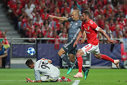 September 19, 2018 - Lisbon, Portugal - Bayern Munich's midfielder Arjen Robben from Nederlands (C ) vies with Benfica's German goalkeeper Odisseas Vlachodimos and Brazilian defender Jardel during the UEFA Champions League Group E football match SL Benfica vs Bayern Munich at the Luz stadium in Lisbon, Portugal on September 19, 2018. (Credit Image: © Pedro Fiuza/ZUMA Wire)