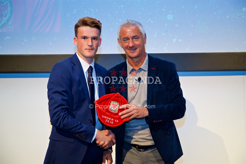 NEWPORT, WALES - Saturday, May 27, 2017: Jack Vale receives his Under-16 Wales cap from Wales' Elite Performance Director Ian Rush at the Celtic Manor Resort. (Pic by David Rawcliffe/Propaganda)