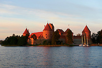 Lituanie (pays baltes), comté de Vilnius, parc national historique de Trakai, le château de l'île (Salos Pilis) // Lithuania (Baltic Countries), Island Castle of Trakai near Vilnius