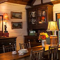 Rustic Cabin: Dining room