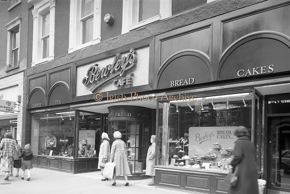 15/06/1979.06/15/1979.15th June 1979  Photograph shows the exterior of Bewley's cafe on Dublin's, Westmoreland Street.