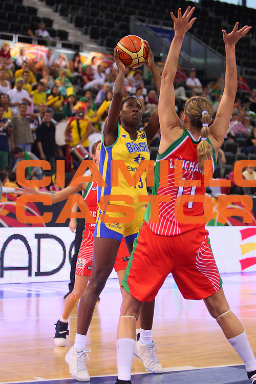 DESCRIZIONE : Madrid 2008 Fiba Olympic Qualifying Tournament For Women Quarter Finals Brazil Belarus <br /> GIOCATORE : Franciele Do Nascimento <br /> SQUADRA : Brazil Brasile <br /> EVENTO : 2008 Fiba Olympic Qualifying Tournament For Women <br /> GARA : Brazil Belarus Brasile Bielorussia <br /> DATA : 13/06/2008 <br /> CATEGORIA : Tiro <br /> SPORT : Pallacanestro <br /> AUTORE : Agenzia Ciamillo-Castoria/S.Silvestri <br /> Galleria : 2008 Fiba Olympic Qualifying Tournament For Women<br /> Fotonotizia : Madrid 2008 Fiba Olympic Qualifying Tournament For Women Quater Finals Brazil Belarus <br /> Predefinita :