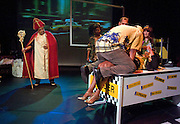 Nederland Amsterdam 30 november 2014<br /> Snorder. De Balie en theatermaker John Leerdam slaan de handen ineen en geven een nieuwe impuls aan 'urban theatre'. Dit seizoen maakt John Leerdam speciaal voor het podium van De Balie een aantal geëngageerde theatervoorstellingen met een politieke lading.<br /> Foto: Jan Boeve / De Balie