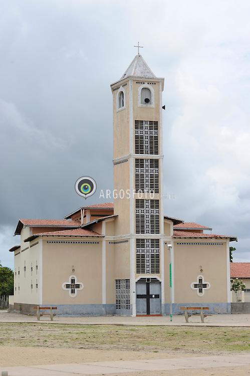 Igreja sagrado coracao de Juses.// Sacred Heart Church of Juses. Foto: Candido Neto/Argosfoto - Cajueiro da Praia - Pi, Brasil - 2015