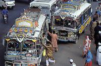 Traffic jam, Saddar street, Karachi, Sind province, Pakistan // pakistan, Sind, Karachi, Saddar bazar, embouteillage