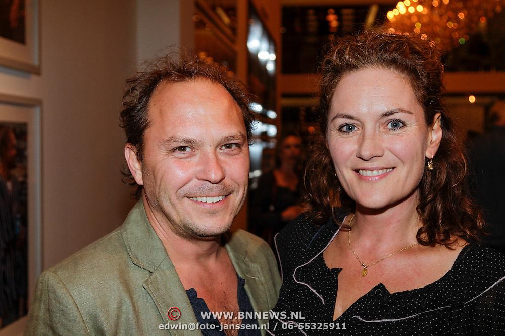 NLD/Amsterdam/20121004- Premiere De Verleiders, Maike Meijer en partner