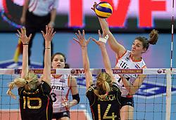 04-01-2016 TUR: European Olympic Qualification Tournament Nederland - Duitsland, Ankara <br /> De Nederlandse volleybalvrouwen hebben de eerste wedstrijd van het olympisch kwalificatietoernooi in Ankara niet kunnen winnen. Duitsland was met 3-2 te sterk (28-26, 22-25, 22-25, 25-20, 11-15) / Yvon Belien #3, Anne Buijs #11