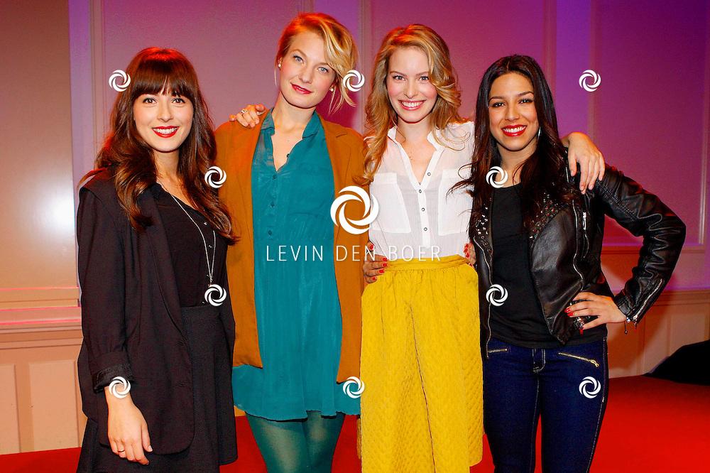 HILVERSUM - In Studio21 hield RTL5 de perspresentatie van hun nieuwe dagelijkse soap 'Malaika'.  Met op de foto vlnr Gamze Tazim, Eva Smid, Melissa Drost en Zahra Ouajil. FOTO LEVIN DEN BOER - PERSFOTO.NU