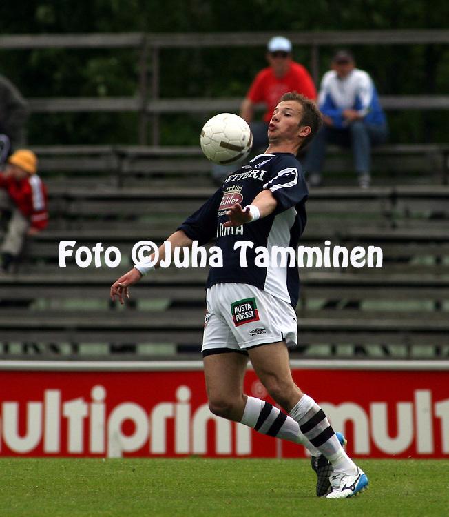 11.06.2007, Hietalahti, Vaasa, Finland..Veikkausliiga 2007 - Finnish League 2007.Vaasan Palloseura - AC Oulu.Ilja Fomitsev - AC Oulu.©Juha Tamminen.....ARK:k