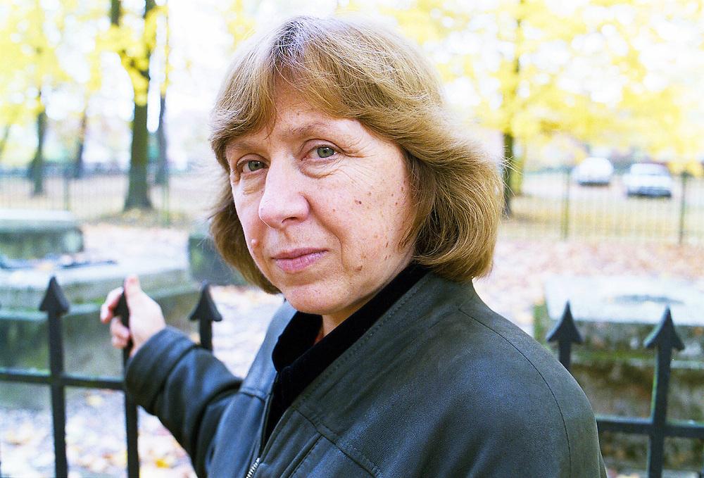 Germany - Deutschland - Portrait Swetlana Alexijewitsch, writer , journalist<br /> &quot; Voices of Chernobyl &quot; / &quot;Secondhand-Zeit&quot; , Autorin des Buchs <br /> &quot;Tschernobyl und die Zukunft&quot; - Nobelpreis f&uuml;r Literatur 2015<br /> Schloss Wiepersdorf  28.10.1999