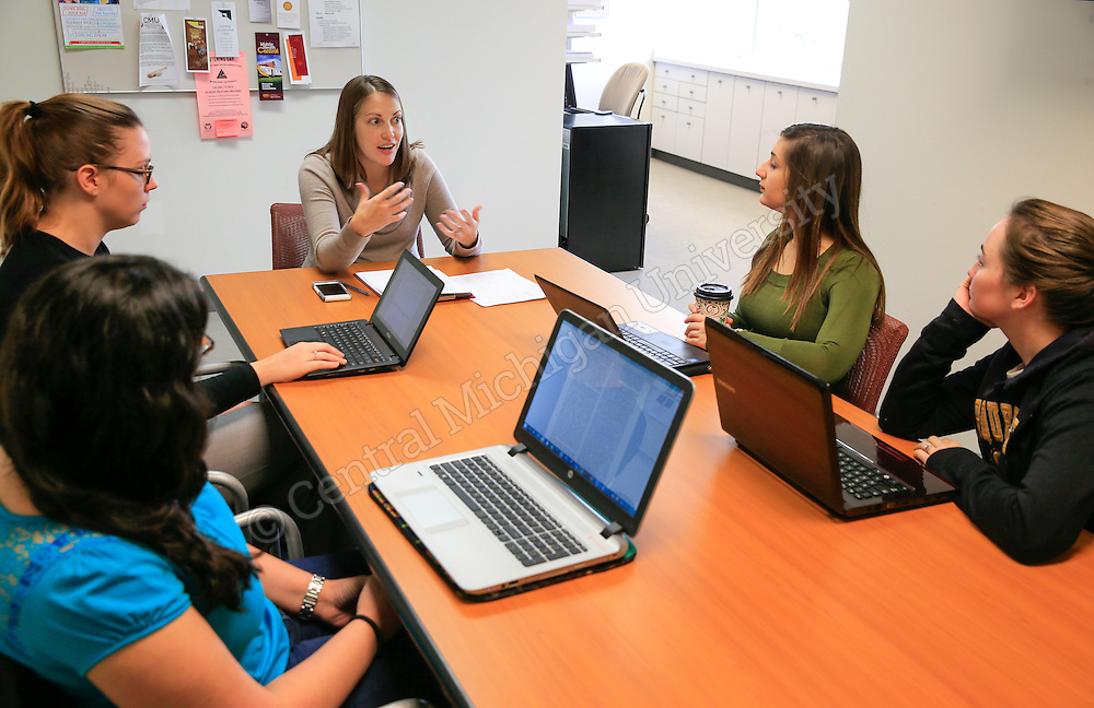 PTCC Director Amanda Lopez meets with her Clinical Psychology Ph.D. students in the Psychological Training and Consultation Center in the Carls Center in the Health Professions Building. Photo by Steve Jessmore/Central Michigan University
