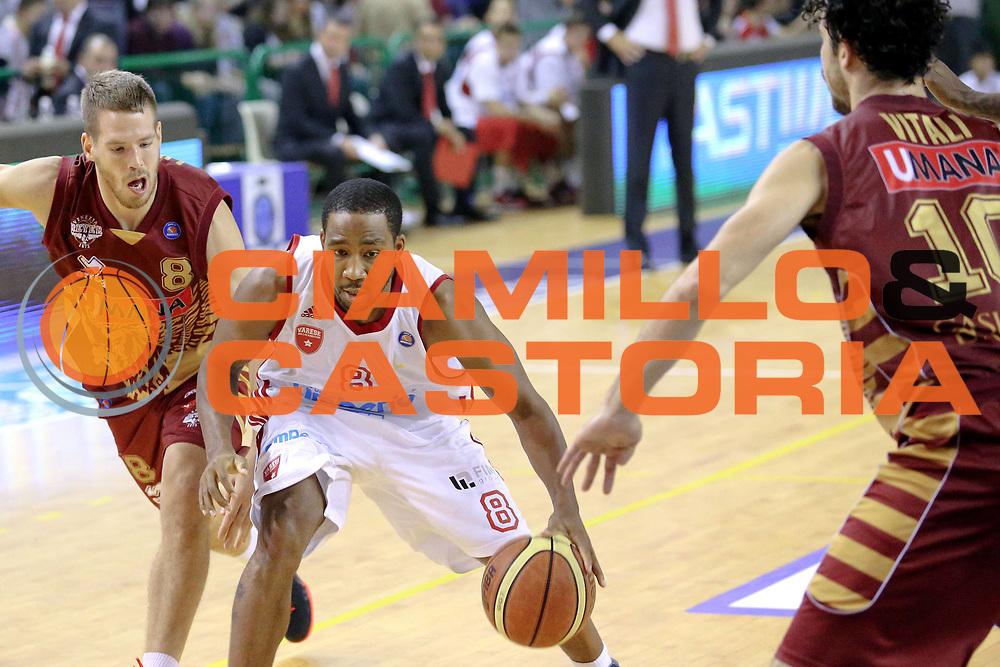 DESCRIZIONE : Milano Lega A 2013-14 Cimberio Varese vs Umana Reyer Venezia <br /> GIOCATORE : Clark Keydren<br /> CATEGORIA : Palleggio<br /> SQUADRA : Cimberio Varese<br /> EVENTO : Campionato Lega A 2013-2014<br /> GARA : Cimberio Varese vs Umana Reyer Venezia<br /> DATA : 27/10/2013<br /> SPORT : Pallacanestro <br /> AUTORE : Agenzia Ciamillo-Castoria/I.Mancini<br /> Galleria : Lega Basket A 2013-2014  <br /> Fotonotizia : Milano Lega A 2013-14 EA7 Cimberio Varese vs Umana Reyer Venezia<br /> Predefinita :