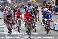 Sykkel<br /> 08.04.2015<br /> Foto: PhotoNews/Digitalsport<br /> NORWAY ONLY<br /> <br /> Kristoff Alexander of Katusha wins the sprint before Theuns Edward and Goetarovitsj Jevgeni during Flanders Classics Scheldeprijs 2015 cycling race with start in Antwerp and finish in Schoten, Belgium.