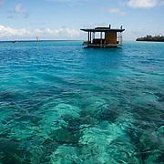 Desconhecida, a ilha de Pemba, ou Al Jazeera Al Khadra em arabe (a ilha verde)  faz parte do Arquipélago de Zanzibar (Ungunja) a cerca de 50km de la costa de Africa.  A Ilha faz parte do território da Tanzania. A pequena Ilha fico a ser famosa por o cultivo do Cravo da India desde a chegada dos portugueses no XVI° siclo. Um turismo de luxo esta se desenvolvendo no norte da Ilha e fica famosa com a criação de uma habitação submarina do Manta Resort Hôtel.