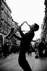 BRITAIN LONDON JUN97 - A saxophone player hams it up in London's Covent Garden area...jre/Photo by Jiri Rezac..© Jiri Rezac 1997..Contact: +44 (0) 7050 110 417.Mobile:  +44 (0) 7801 337 683.Office:  +44 (0) 20 8968 9635..Email:   jiri@jirirezac.com.Web:     www.jirirezac.com..© All images Jiri Rezac 1997 - All rights reserved.