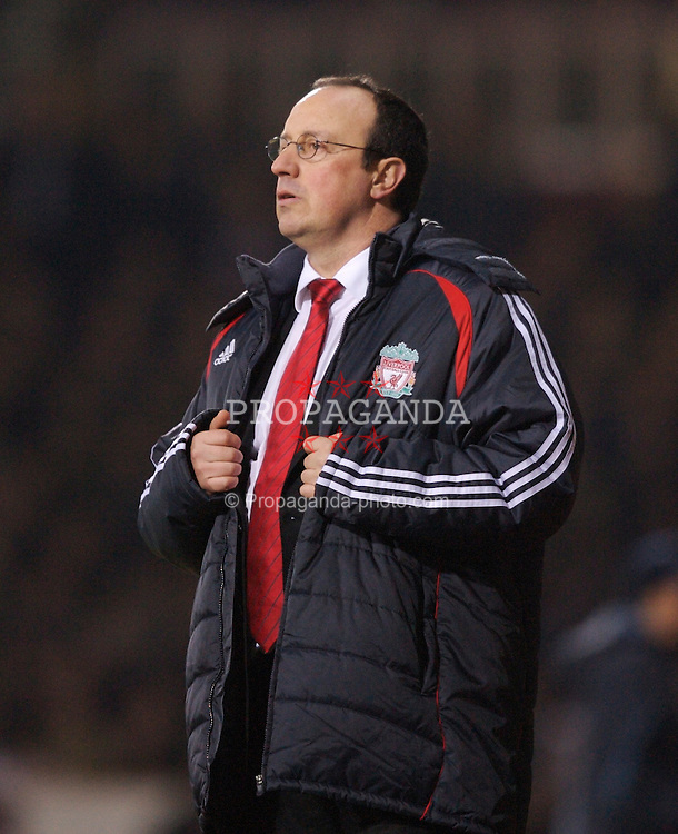 London, England - Tuesday, January 30, 2007: Liverpool's manager Rafael Benitez urges his side on against West Ham United during the Premiership match at Upton Park. (Pic by David Rawcliffe/Propaganda)