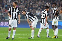 10.04.2013, Juventus Stadium, Turin, ITA, UEFA Champions League, Juventus Turin vs FC Bayern Muenchen, Viertelfinale, Rueckspiel, im Bild Enttaeuschte juve Spieler nach dem Abpfiff l-r: Leonardo BONUCCI (Juventus Turin), Giorgio CHIELLINI (Juventus Turin),  Mauricio ISLA (Juventus Turin),  Paul POGBA (Juventus Turin) // during the UEFA Champions League best of eight 2nd leg match between Juventus FC and FC Bayern Munich at the Juventus Stadium, Torino, Italy on 2013/04/10. EXPA Pictures © 2013, PhotoCredit: EXPA/ Eibner/ Global..***** ATTENTION - AUSTRIA ONLY *****