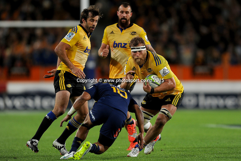 Brad Shields of the Hurricanes looks to break the defence, during the Super Rugby Match between the Highlanders and the Hurricanes, at Forsyth Barr Stadium, Dunedin, New Zealand, 20 March 2015. Credit: Joe Allison / www.photosport.co.nz