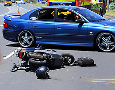 Auckland-Motorcyclist critically injured in collision with car