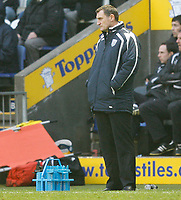 Photo: Steve Bond/Sportsbeat Images.<br /> Leicester City v West Bromwich Albion. Coca Cola Championship. 08/12/2007. Tony Mowbray looks on impassively