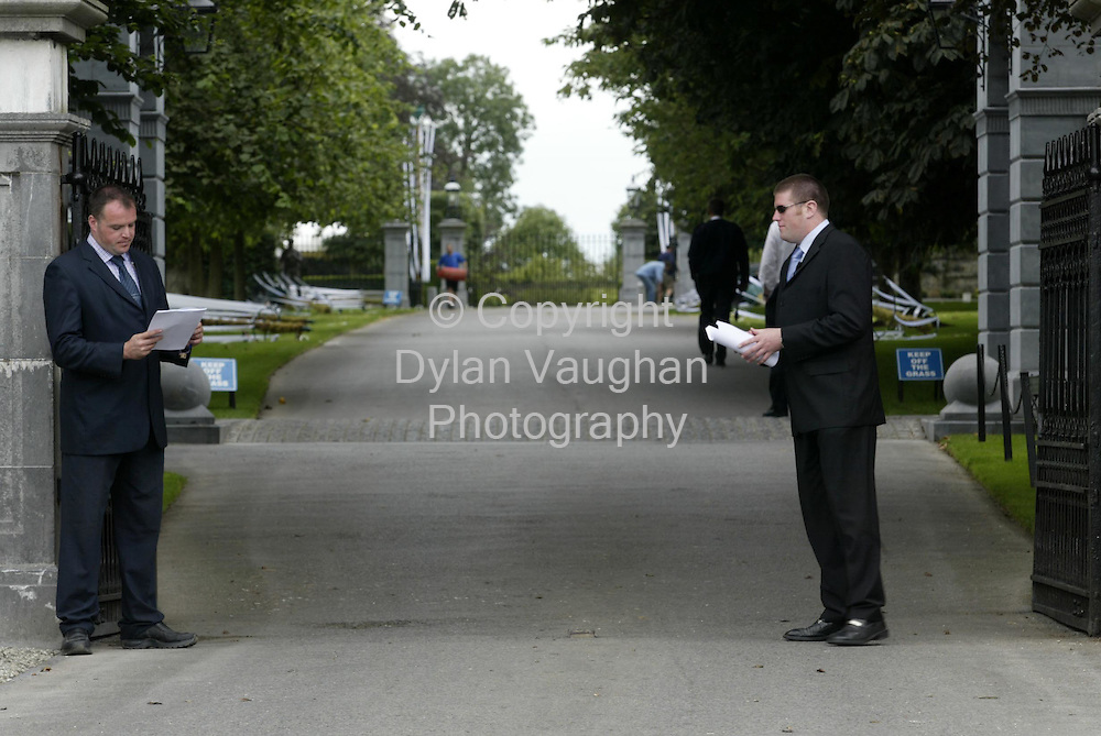24/8/2002 .Security pictured at the gates of Coolmore Stud at Fethard county Tipperary..Picture Dylan Vaughan