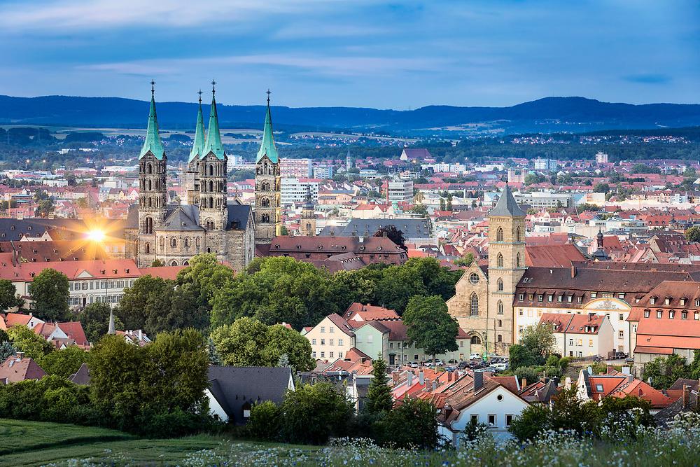 Der Bamberger Dom gehört zu den deutschen Kaiserdomen und ist mit seinen vier Türmen das beherrschende Bauwerk des Weltkulturerbes Bamberger Altstadt.
