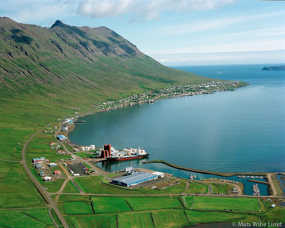 Neskaupstaður, Norðfjarðarhreppur, loftmynd. / Neskaupstadur, aerial.